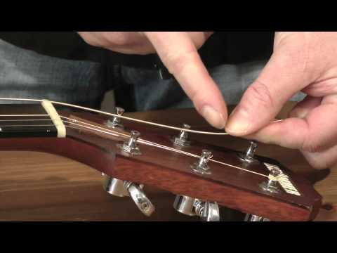 Gitarre: Saiten wechseln (Westerngitarre)