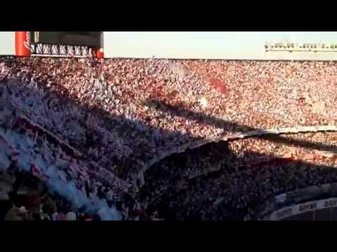 """""""RECIBIMIENTO INCREIBLE - River Plate vs Boca Jrs - Superclasico - Torneo Inicial 2013"""" Barra: Los Borrachos del Tablón • Club: River Plate • País: Argentina"""