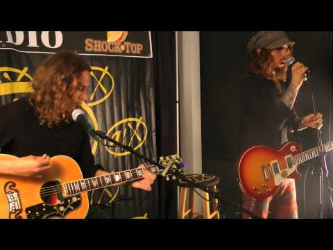 "The Darkness - ""Growing On Me"" 