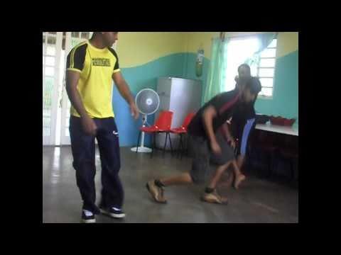 Aula de Street Dance no PROJOVEM de Terezópolis de Goiás