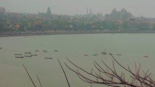 Marine Drive Beach in Mumbai, Maharashtra
