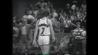 The Night of Pistol Pete - Maravich drops 68 points on the Knicks [HD]