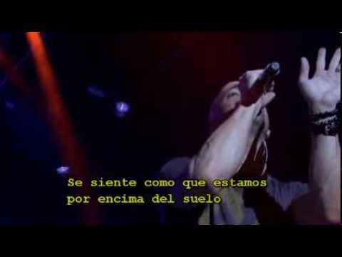 High above the ground- Daughtry (Español)
