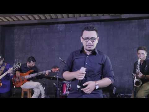 Video Ai Ni Yi Wan Nien -  cover by ESPRESSIVO Band (Live @Lumbung Resto Purwokerto)