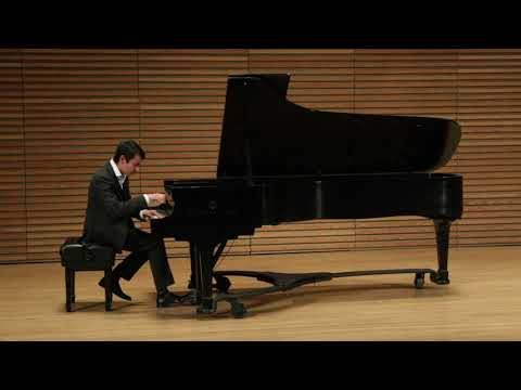 Claudio Espejo performing Stravinsky's Petrushka