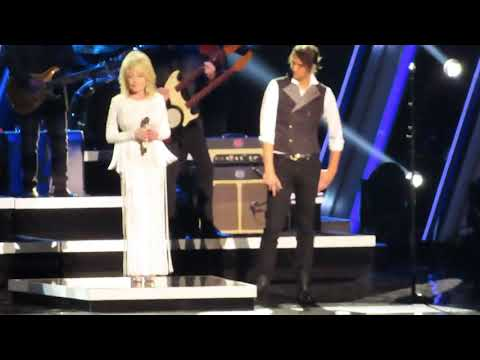 Dolly Parton King & Country God Only Knows CMA Awards Nashville