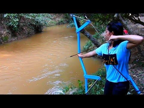 Amazing Girl Uses PVC Pipe Compound BowFishing To Shoot Fish -Khmer Fishing At Siem Reap Cambodia