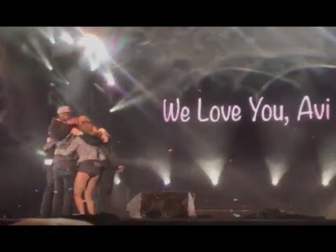 Avi Kaplan's Last Performance with Pentatonix (last moments on stage)