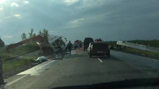 Последствия ДТП трасса Тюмень-Ханты-Мансийск 13.07.2016 820 км
