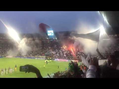 """Recibimiento Pachuca vs. Santos -  Liguilla Clausura 2016"" Barra: Barra Ultra Tuza • Club: Pachuca"