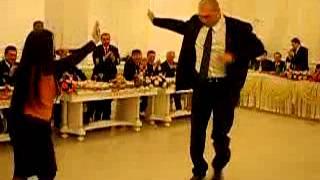 Николай Валуев, танцует лезгинку