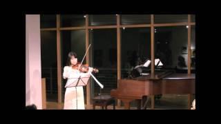 森本千絵、国分仁J.シビルスの曲を演奏