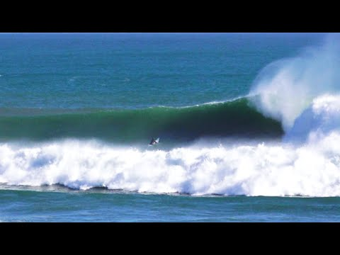 Twiggy's solo surf at a heavy Weskus reef