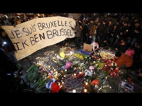Βέλγιο: Οι κάτοικοι των Βρυξελλών αψηφούν τον τρόμο και τιμούν τα θύματα της Τρίτης