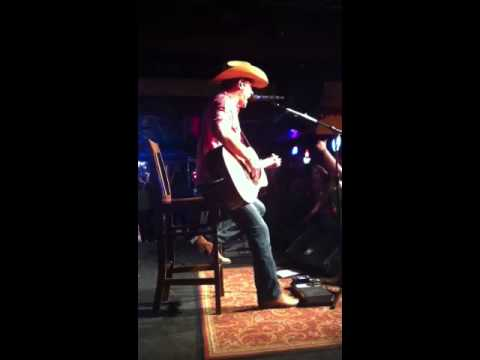 Dustin Lynch - Yeah, Yeah, Yeah