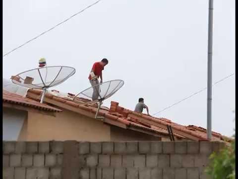 Temporal destelha casas em Campo Verde