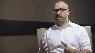 Dan Cruickshank, Sitecore MVP et président de Fishtank Consulting parle de son expérience avec Sitecore, Coveo, et de la meilleure façon de faire parvenir le bon contenu, aux bonnes personnes, au bon moment.