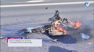 В деревне Подберезье столкнулись скутер и грузовик