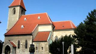 preview picture of video 'Mittagsglocke Kirche Himberg'
