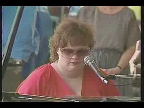 Diane Schuur -The Very Thought Of You (live  at Madarao Jazz Fes Japan in 1984) online metal music video by DIANE SCHUUR