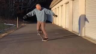 faze tari batranul pe skateboard