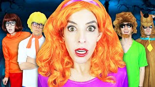 Giant Scooby Doo Game in Real Life at Haunted Hacker Castle! (24 Hours in DIY Disguise on Leap Year)