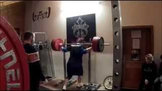 preview picture of video 'Powerlifting: Oggy kurz vor dem Jahreswechsel...'