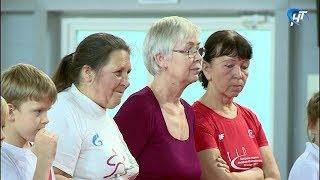 В ФОКе на улице Псковская отметили День пожилого человека «веселыми стартами»