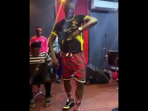 Akpororo can dance for African
