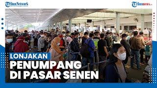 Lonjakan Penumpang Kereta Api di Stasiun Pasar Senen Jakarta Pusat