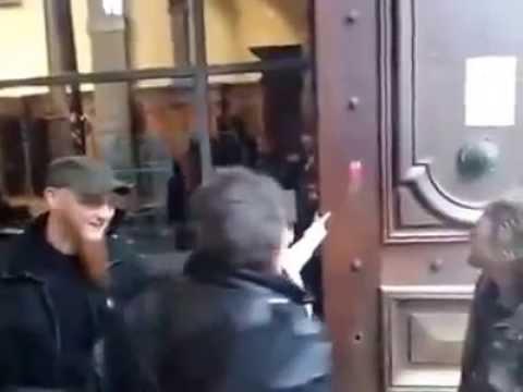 Bernard-Henri Levy entarté par Noël Godin à Namur (MàJ : vidéo)
