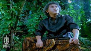 Iwan Fals - Kupu - Kupu Hitam Putih (Official Video)