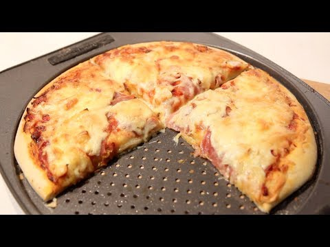 HOW TO MAKE PIZZA FROM SCRATCH: dough and sauce