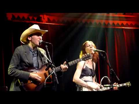 HARD TIMES Gillian Welch Dave Rawlings Live @ Paradiso