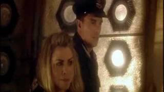 Jack est sauvé par le Docteur et Rose