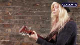 Nina Nesbitt - 'The Apple Tree' live acoustic session