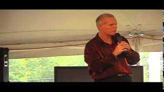 Chris Drummond sings 'Doin' The Best I Can' Elvis Week 2005