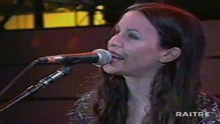 Alanis Morissette - Not The Doctor live in Tokyo 1999