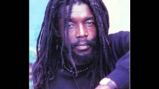 peter tosh – 400 years (live at the calderone 1980)