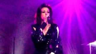 Tina Arena - Only Lonely - Live in Hackney, London
