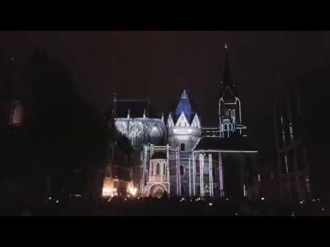 Der Dom leuchtet