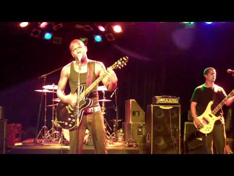 Dead Roses (Live @ The Roxy)
