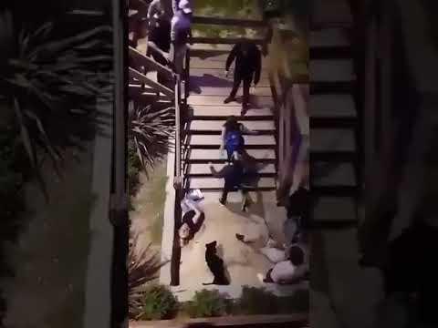 HAY VIDEO Escracharon a un patovica cobarde que tiró por la escalarela a una mujer y le quebró una pierna