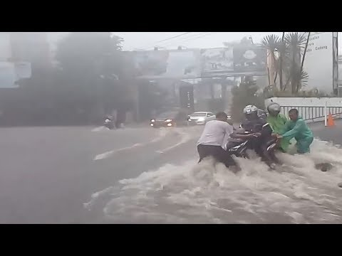 Massive Flooding In Malang, Indonesia (Dec 10, 2018)