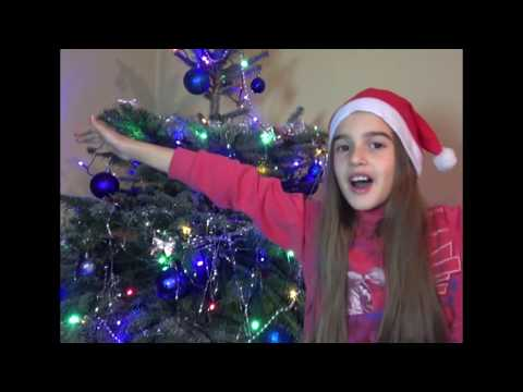 Наряжаем елку !  We decorate the Christmas tree!