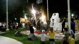 preview picture of video 'Caravana/Para vivir asi-Plaza Libertad-Nogoya Entre Rios-Grupo Brazo de oro-No Iracundo-'