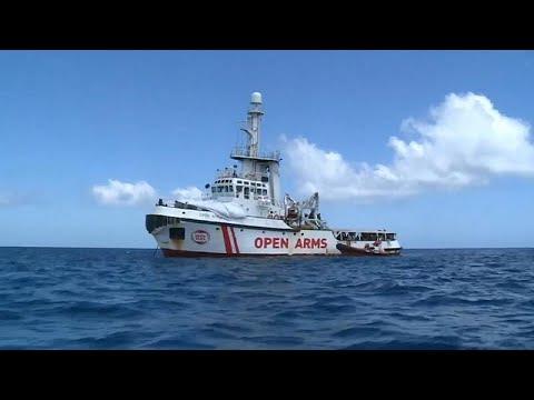 Open Arms: Άδεια να αποβιβαστούν από το πλοίο τα παιδιά έδωσε ο Ματέο Σαλβίνι…