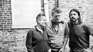 Them Crooked Vultures---No One Loves Me And Neither Do I