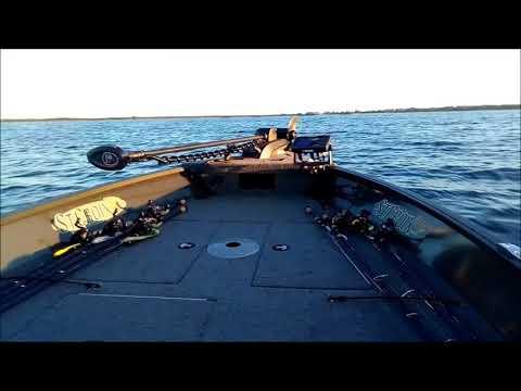 Mirrocraft 145 T Troller / Mercury F40 EFI ELPT Big Tiller