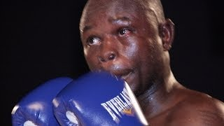 preview picture of video 'Championnat d'Afrique de Boxe Professionnelle en 2012 à Niamey.(II)'